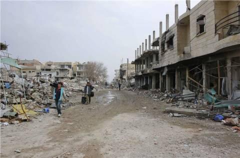 Εικόνες καταστροφής στο Κομπάνι από το πέρασμα των ισλαμιστών