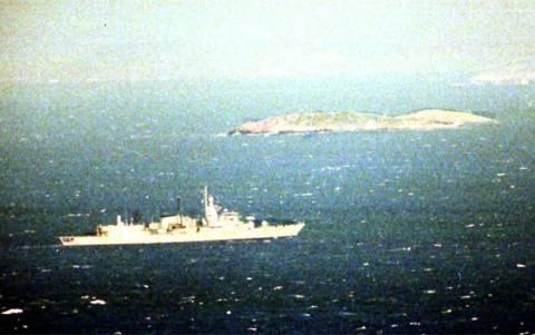 Στεφάνι για τους ήρωες των Ιμίων από τον Καμμένο – Τουρκικά μαχητικά κοντά στο σημείο