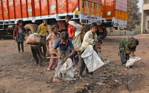 Ινδία: Η αστυνομία έσωσε εκατοντάδες παιδιά που ζούσαν σε συνθήκες δουλείας