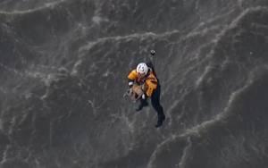Διάσωση σκύλου από ελικόπτερο (video)