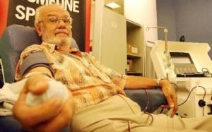 Ο άνθρωπος που έσωσε πάνω από 2 εκατ. ζωές με το αίμα του