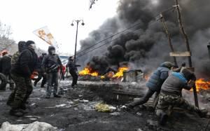 ΗΠΑ: Εξετάζουν την αποστολή αμυντικών όπλων στην Ουκρανία