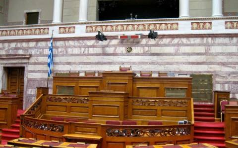 Wall Street Journal: Η Ελλάδα στο επίκεντρο της ειδησεογραφίας