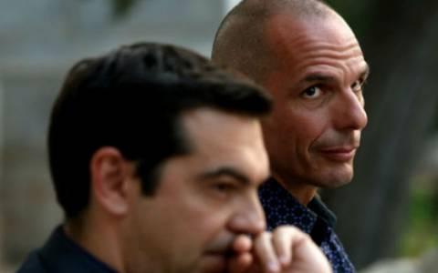 Financial Times: Ο Α. Τσίπρας και ο Γ. Βαρουφάκης έχουν δίκιο