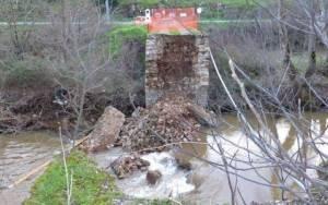 Κατέρρευσε το ιστορικό «Πάνω Γεφύρι» στην Αμφίκλεια Φθιώτιδας (pics)