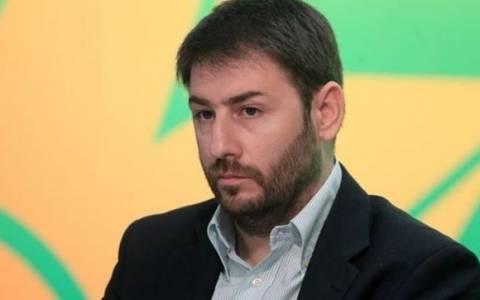 Ανδρουλάκης: Κωμικοτραγικό το ενδιαφέρον 10 υποψηφίων για ένα κόμμα του 4,67%