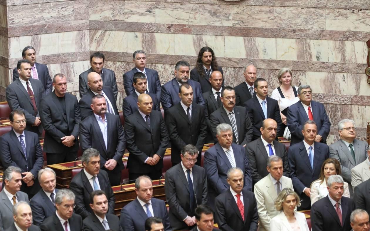 Οριστικά σε δίκη ο Νίκος Μιχαλολιάκος και όλοι οι βουλευτές της Χρυσής Αυγής