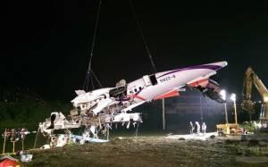 TransAsia: Στους 31 οι νεκροί - Συνεχίζονται οι έρευνες για 12 αγνοούμενους (pics)