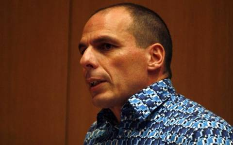 Βαρουφάκης: Το μνημόνιο είναι η ύφεση και το μη βιώσιμο χρέος