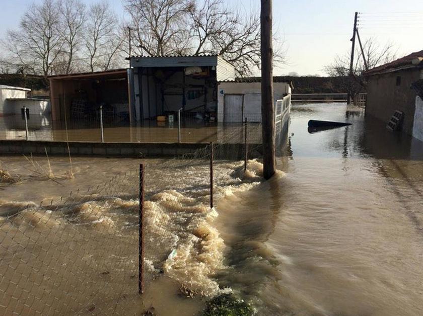 Κρίσιμη η κατάσταση στον Έβρο από τα πλημμυρικά φαινόμενα (photos&videos)
