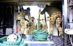 Συνεκπαίδευση Επαγγελματιών Οπλιτών Ειδικών Δυνάμεων με την Αεροπορία Στρατού (pics)