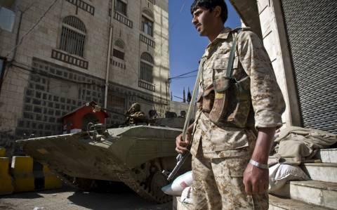 Υεμένη: Διάλυση κοινοβουλίου –  Ανάληψη εξουσίας από πενταμελές προεδρικό συμβούλιο