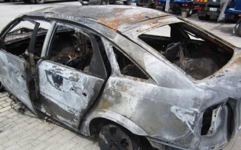 Έκαψαν αυτοκίνητο βουλευτή στη Δροσιά
