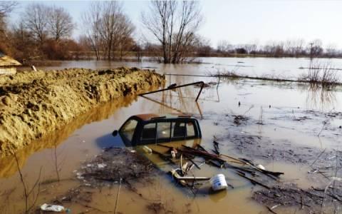 Έβρος: Σε επιφυλακή Αρχές, πολίτες και στρατός για τον «υδάτινο εφιάλτη» (video)
