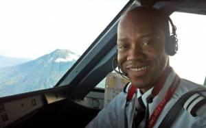 Air Asia: Βρέθηκε η σορός του συγκυβερνήτη