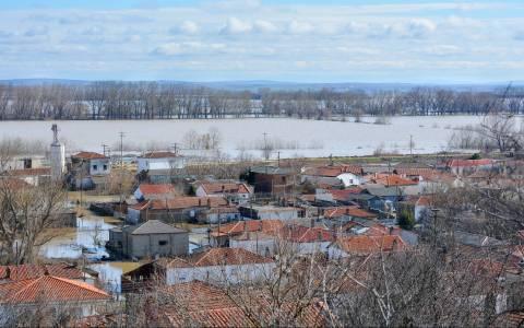 Έβρος: Το νερό «σκέπασε» καλλιέργειες και οικισμούς (photos)