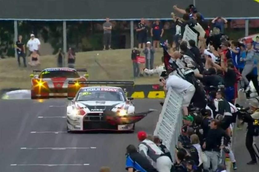 Αγώνες GT: Η Nissan νικήτρια στο 12ωρο αγώνα του Barthurst (photos&video)