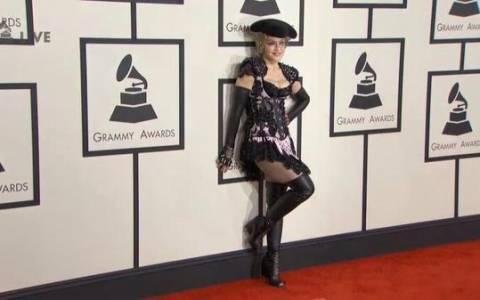 Grammy 2015: Η Madonna έκανε τα πάντα (video)