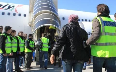 Άλλοι 1.786 αλλοδαποί επέστρεψαν στις χώρες τους