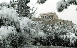 Σφοδρή κακοκαιρία πλήττει τη χώρα – Πού θα χιονίσει στην Αττική