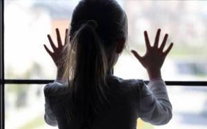 Σκότωσε παιδόφιλο που βιντεοσκοπούσε την ανήλικη κόρη του