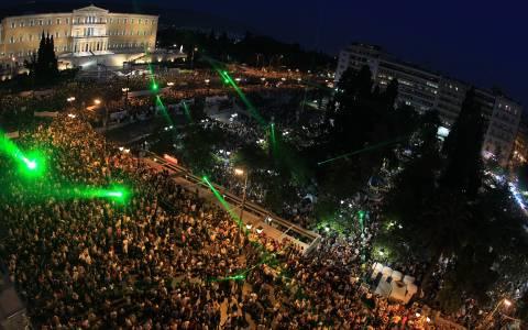 Συμπαράσταση την ώρα που η Ελλάδα θα είναι στο «στόμα»... του Eurogroup