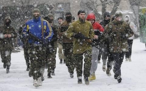 Ουκρανία: Ρουκέτες έπληξαν το αρχηγείο των ενόπλων δυνάμεων στα ανατολικά