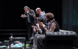 Κέικ του Βαγγέλη Χατζηγιαννίδη: ξανά στο Εθνικό Θέατρο