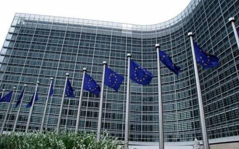 Ρελάνς Κομισιόν με αυριανή πρόταση εξάμηνης παράτασης του προγράμματος