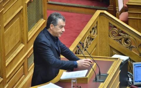 «Λαγός» των καναλαρχών και στη Βουλή ο Σταύρος Θεοδωράκης