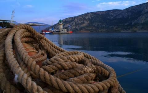 Σύγκρουση φορτηγών πλοίων στο Δίστομο