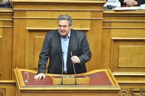 Κόντρα Καμμένου-Θεοδωράκη στη Βουλή (vid)