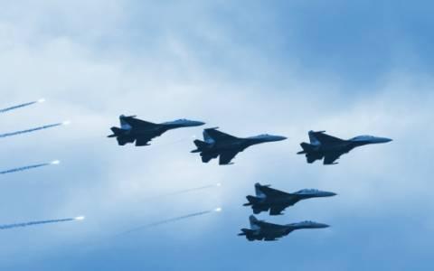 Νέες επιδρομές στο Ιράκ και τη Συρία εναντίον του ΙΚ με συμμέτοχη μαχητικών των ΗΑΕ