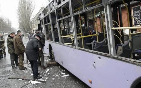 Ουκρανία: Οβίδα έπληξε στάση λεωφορείου - Τουλάχιστον ένας νεκρός