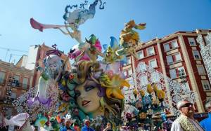 Las Fallas στη Βαλένθια για πραγματικό ξεσάλωμα (video)