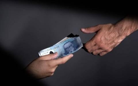 Έρευνα: «Ο φτωχός γίνεται διεφθαρμένος η' αντίστροφα»;