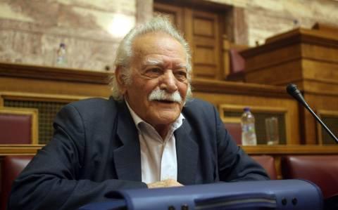 Μανώλης Γλέζος: Έχει πρόβλημα μνήμης ο Σούλτς