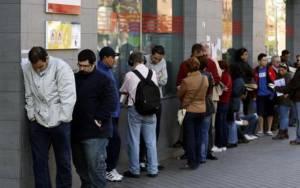 ΕΛΣΤΑΤ: Οι άνεργοι 1.229.367, οικονοµικά µη ενεργά 3.347.378 άτοµα