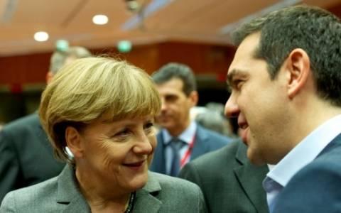 FT: Η Μέρκελ συνεχίζει τη σκληρή στάση της απέναντι στην Ελλάδα
