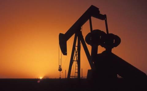 Ξαφνικά, τραβάει την ανηφόρα η διεθνής τιμή του πετρελαίου
