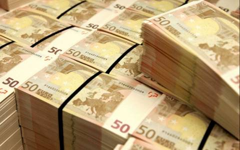 Αγώνας δρόμου στο υπουργείο Οικονομικών για «ζεστό» χρήμα