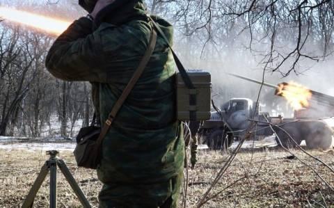 Ουκρανία: Εύθραυστη η εκεχειρία πριν καν τεθεί σε ισχύ