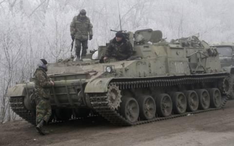 Oυκρανία: Συνεχίζονται οι βομβαρδισμοί παρά την εκεχειρία (video)