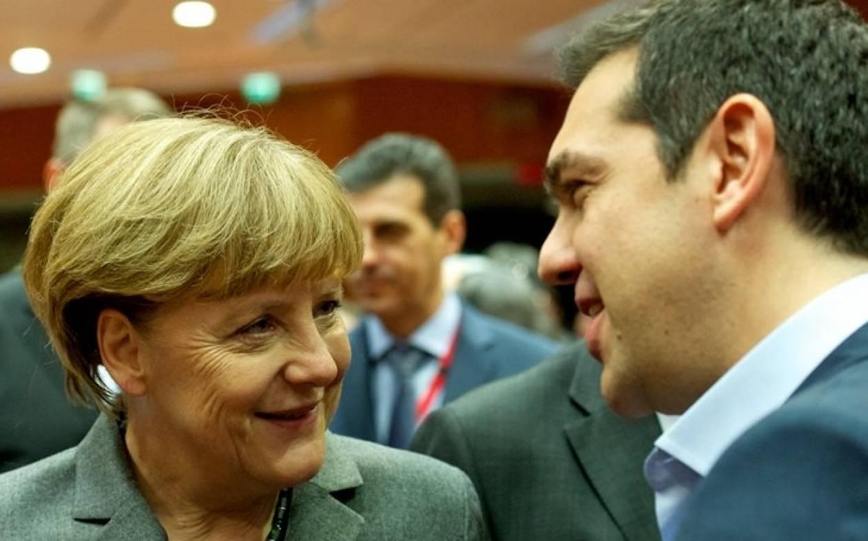 Ο Τσίπρας σημάδεψε με σφεντόνα τη Μέρκελ! (photos)