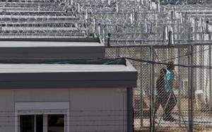 Σε 100 μέρες κλείνει το κέντρο κράτησης αλλοδαπών στην Αμυγδαλέζα