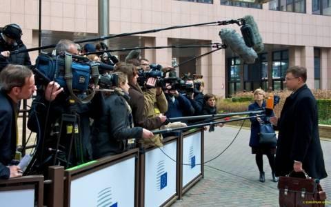 Στην παράταση του προγράμματος επιμένουν Ευρωπαίοι αξιωματούχοι