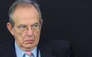 Ιταλός ΥΠΟΙΚ: Κίνδυνος να σταματήσει η χρηματοδότηση της Ελλάδας