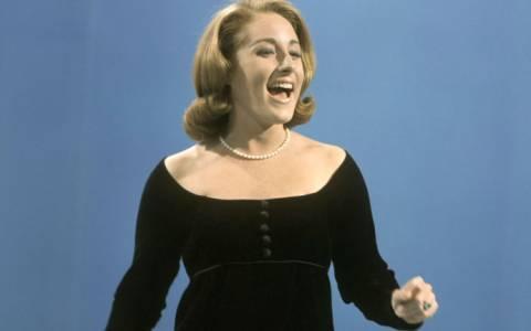Απεβίωσε σε ηλικία 68 ετών η τραγουδίστρια Λέσλι Γκορ (video)