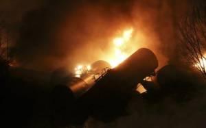 ΗΠΑ: Έκρηξη σε αμαξοστοιχία που μετέφερε πετρέλαιο (video)