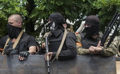 Ουκρανία: Άμεση απόσυρση των όπλων απαίτησε η ΕΕ